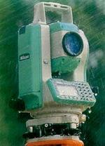 Рис. 2. Тахеометр Nikon DTM-352