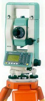Рис. 4. Тахеометр Nikon DTM-502