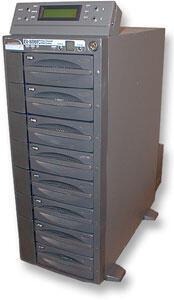 RAID-массивы являются самыми универсальными, удобными и надежными оперативными хранилищами... но и самыми дорогими (на иллюстрации - массив EV-800 LVD компании DataDirect Networks)