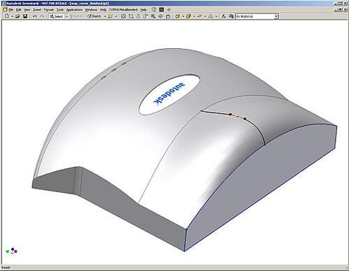 При создании сложных деталей теперь можно использовать построение по сечениям с использованием ограничивающих кривых, а также операции эквидистантного видоизменения геометрии