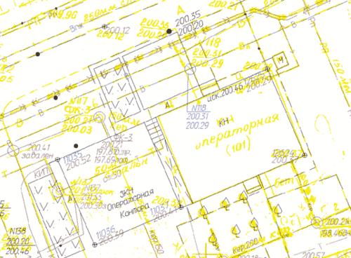 Пример совмещения калиброванной съемки (желтый цвет) и результатов изысканий, выполненных с помощью цифрового теодолита. Пикеты № 12624, 12625 - на существующем здании, пикеты № 11035, 11036, 11037 - на здании, построенном в створе существующего здания. Цифровая съемка производилась в 2004 году, бумажный оригинал 1980 года