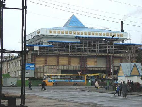 Рис. 1. Здание Республиканского национального театра драмы в Горно-Алтайске
