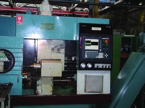 Рис. 11. Токарный станок с ЧПУ мод. SPT16NC (производство ЧССР, 1987 г.), на котором устаревшее УЧПУ NS660 было заменено на NC200 фирмы «Балт-систем» (ДНПП, 2003 г.)
