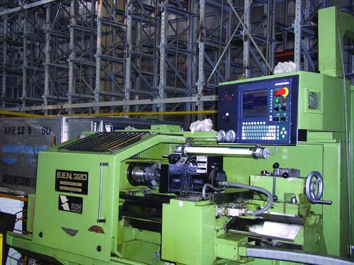 Рис. 12. Токарный станок с ЧПУ мод. EEN-320 (производство Венгрия, 1988 г.), на котором в 2004 г. неисправное УЧПУ PNC721 было заменено на УЧПУ NC200