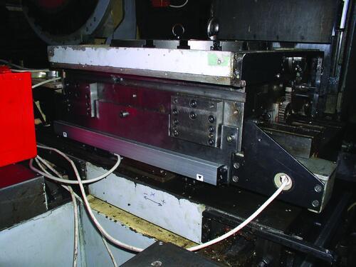 Рис. 8. Применение оптических датчиков линейных перемещений позволяет повысить точность обработки и обеспечить стабильность размеров обрабатываемых деталей. Сфера их применения в станках с ЧПУ на ОАО ДНПП постоянно расширяется