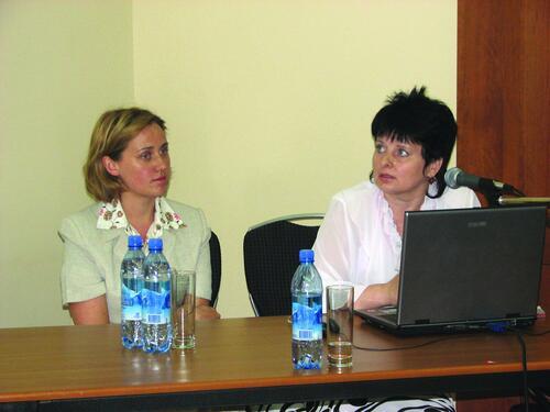 Анна Кужелева и главный специалист отдела генплана ООО «САЯНЫ» (Брянск) Светлана Шитикова