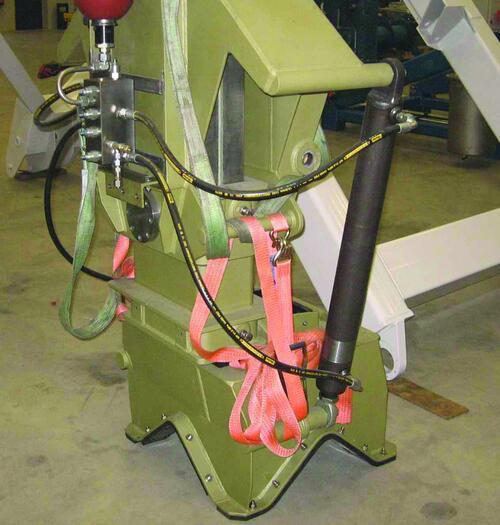 Рис. 5. Проверка работоспособности захватного устройства СПУ для катера проекта 21770 (при изготовлении в Голландии)