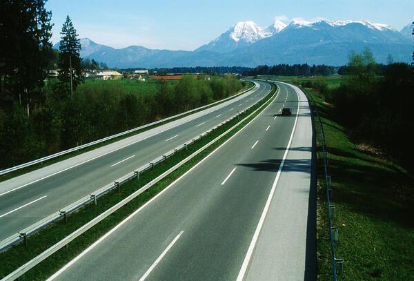 Словения – страна пещер, озер, маленькой Италии и замечательных разработчиков!